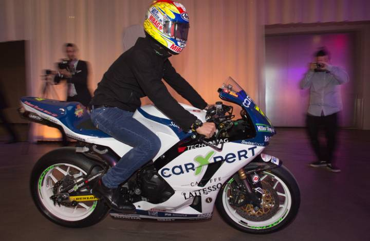 6866_moto2-rennfahrer_dominique_aegerter_-_web.jpg