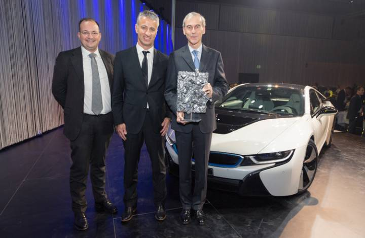 6871_mark_backe_-_leiter_marketing_bmw_schweiz__olivier_rihs_-_ceo_scout24_schweiz_ag__philippe_dehennin_-_ceo_bmw_schweiz_ag_-_web.jpg