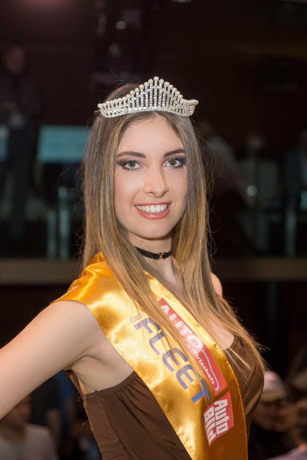 Michela Russo ist Miss Auto-Salon 2017