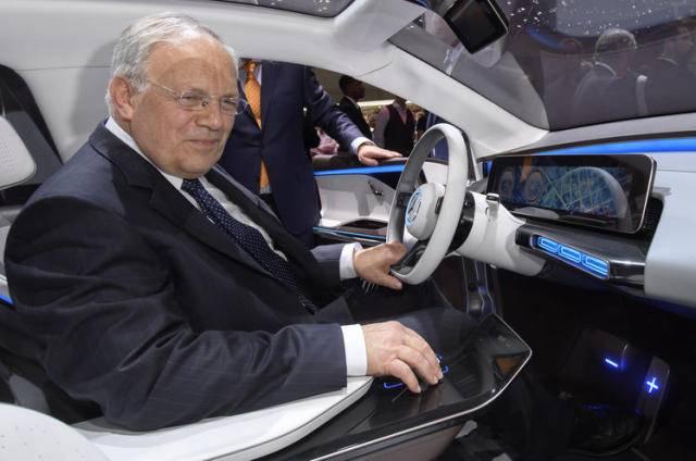 Bundesrat Schneider-Ammann eröffnet Auto-Salon 2017 in Genf