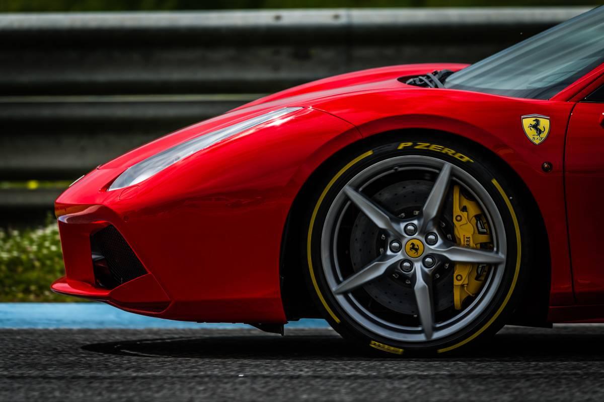 Autosalon 2017 beweist: Pirelli auch im Premium-Segment führend