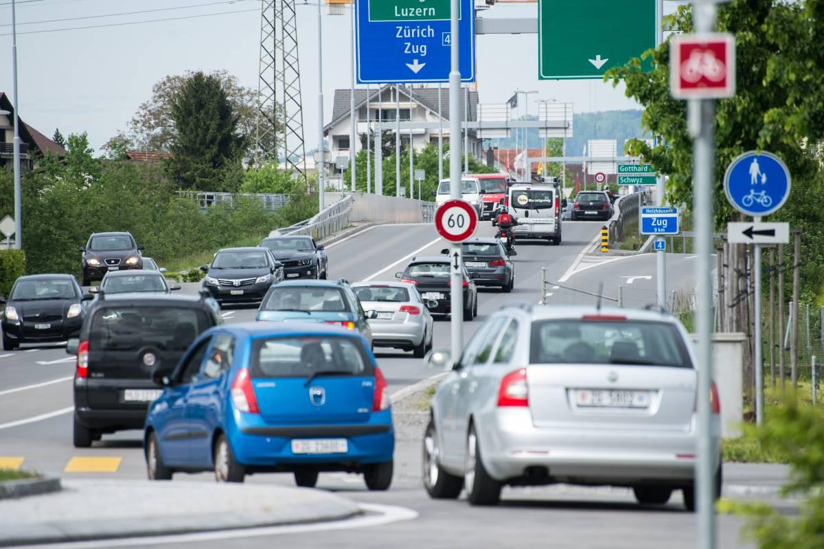 Starker Auto-Mai zieht Gesamtjahr ins Plus