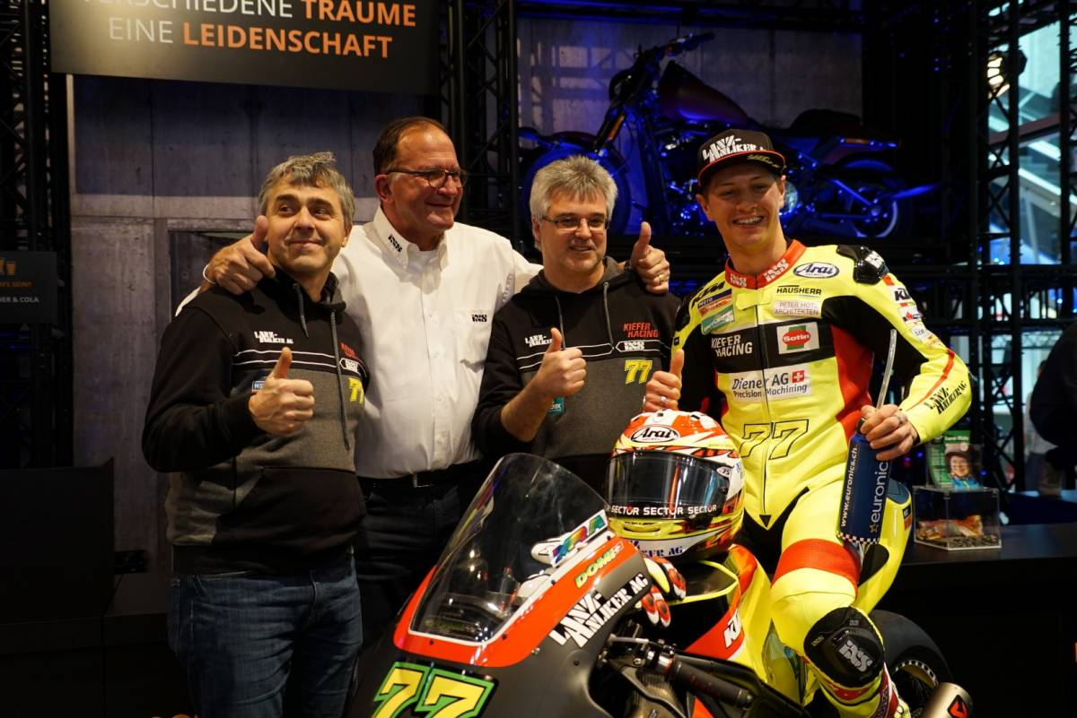 Dominique Aegerter: Teampräsentation am MotoScout24-Stand