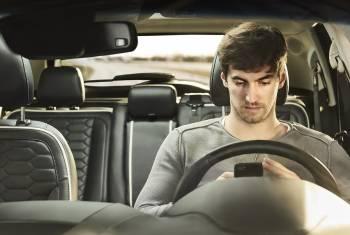 Ford-Umfrage zeigt: Junge Autofahrer begehen Verkehrssünden mit dem Auto der Eltern